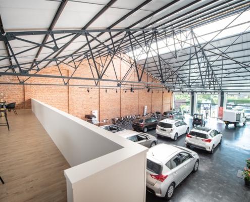 showroom en boven